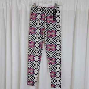 NWT New Mix Patterned Leggings